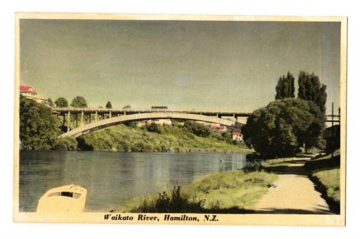 Tinted Postcard by N S Seaward of Waikato River Hamilton. - 45774 - Postcard - Postcards N S Seaward - Postcards By Photographer - EASTAMPS