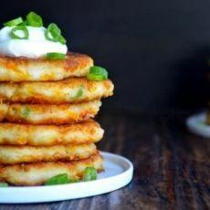 Оладьи из картофельного пюре с сыром. Готовьте двойную порцию — разлетаются!