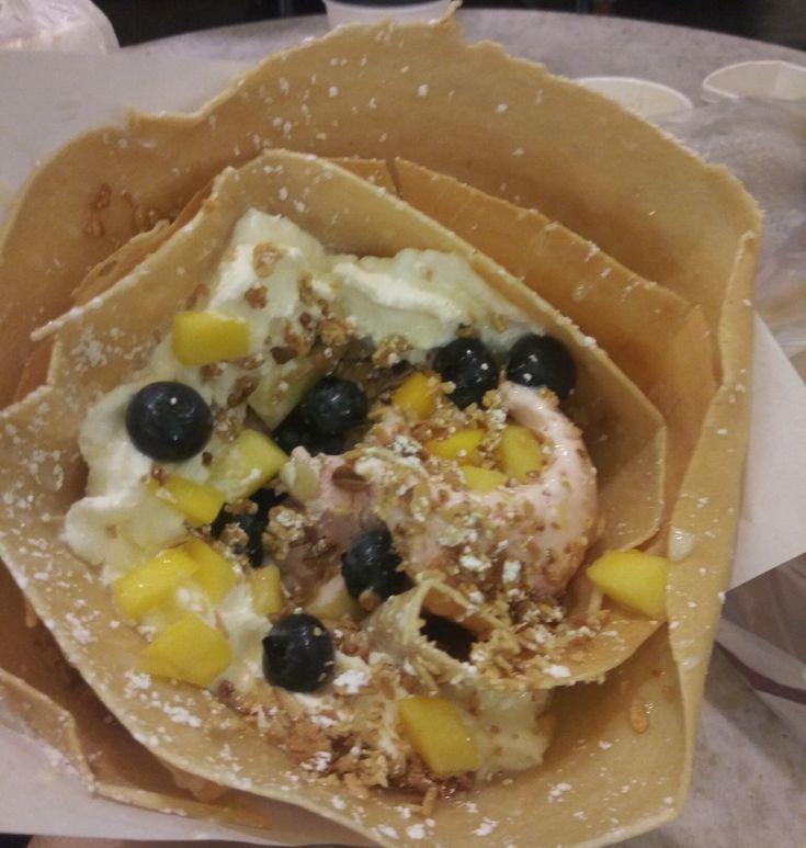 Mango blueberry Strawberry ice cream Crepe w/🍯 honey & Granola!