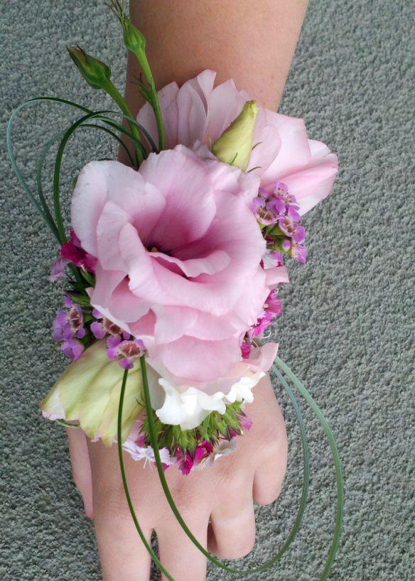 Wrist corsage, alternative to posy.....