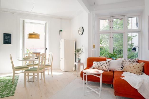 Bright Interior Design on Small Budget, Small Apartment Decorating ...