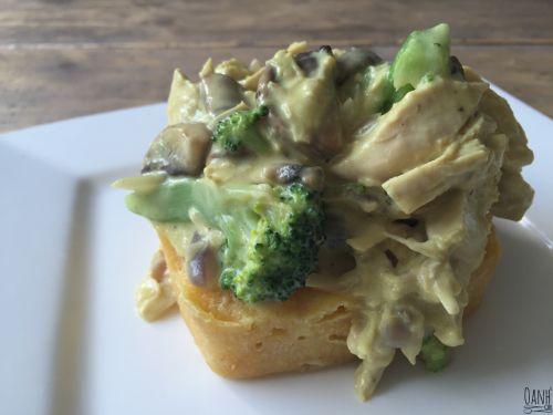 Linda en Ilse hebben kipragout voor de Wednesday Challenge day geopperd Ilse heeft mij wat ideetjes gegeven, namelijk de broccoli, kerrie en kaas Zelf heb ik nooit ragout gegeten met die ingrediënt…