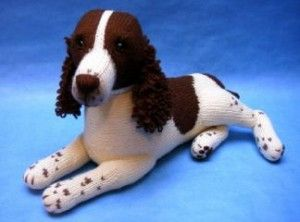 You can knit up your very own springer spaniel with this pattern by Alan Dart. #knitting