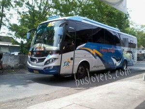 sugeng rahayu surabaya solo 300x225 Foto Bus di Terminal Solo Tirtonadi