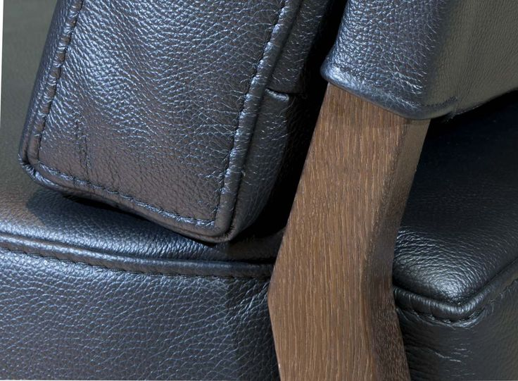 Armchair from K28 California collection Solid wood and high quality leather