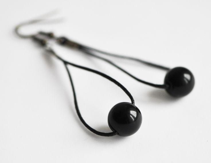 Ohrhänger - Ohrringe.black and round  - ein Designerstück von nahili bei DaWanda