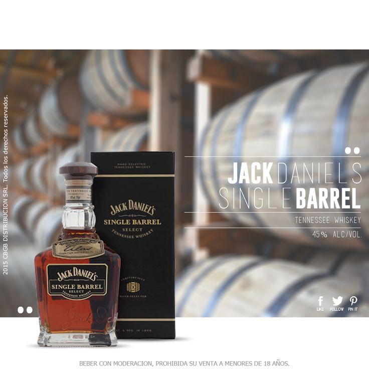 El Whisky Tennessee Jack Daniels Single Barrel se embotella directamente del barril a la botella, cada botella depende de su barril. La destilería Jack Daniels fue fundada en 1865 y es la más antigua de EE.UU. Es un bourbon fuerte y con un sabor atrevido que tiene notas de roble tostado, vainilla y caramelo. Color cobre rojizo, aromas a maíz, y ahumados. En boca caramelo quemado y ligeros toques a vainilla.