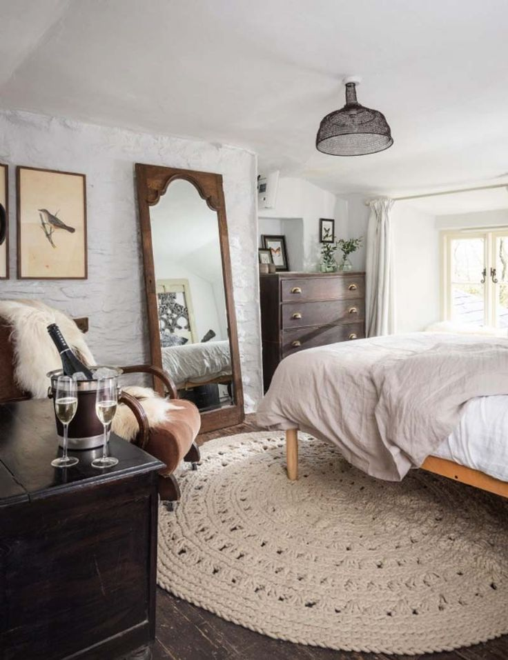 Charming English cottage offers a fairytale getaway