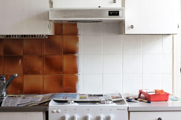 RAW Design -blogissa uusittiin keittiön välitilan ilmettä maalilla.