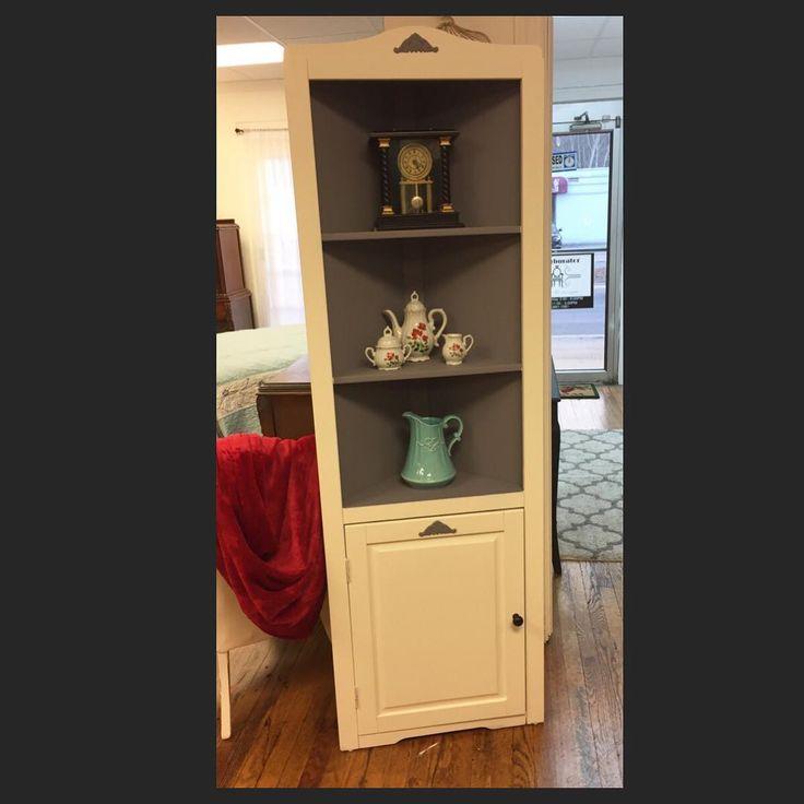 Corner Shelf Finished In Buttercream And Mason Dixon Grey. #refurburator  #dixiebellepaint