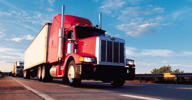 Las mejores especificaciones y rendimiento de combustible para los camiones clase 8. Los camiones clase 8 son los que pesan 33.000 libras (14.968,54 kgs) o más. Ejemplos de camiones de clase 8 incluyen camiones de carga, mezcladoras de cemento y remolques de tractor. Normalmente, los camiones clase 8 promedian de 5 a 8 millas (8,05 a 12,87 kms) por galón. Mejora el millaje de combustible aumentando su economía. El aumento de la ...