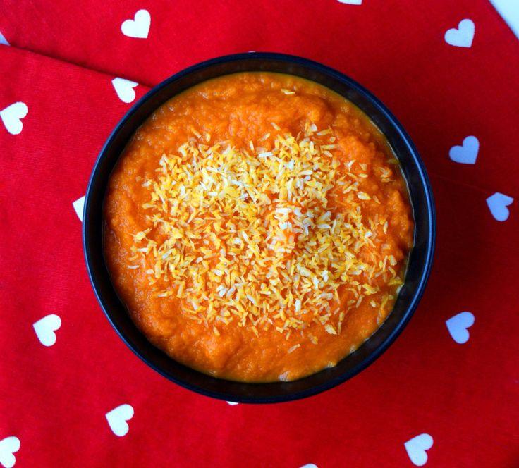 Zupa krem z marchewkowo-kokosowa.