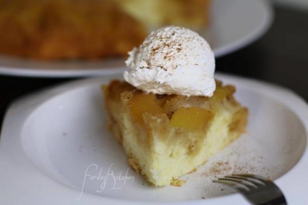 كيكة التفاح المقلوبة من فردوس الأغبر Upside Down Apple Cake By Fardos Al Aghbar Dessert Recipes Food Desserts