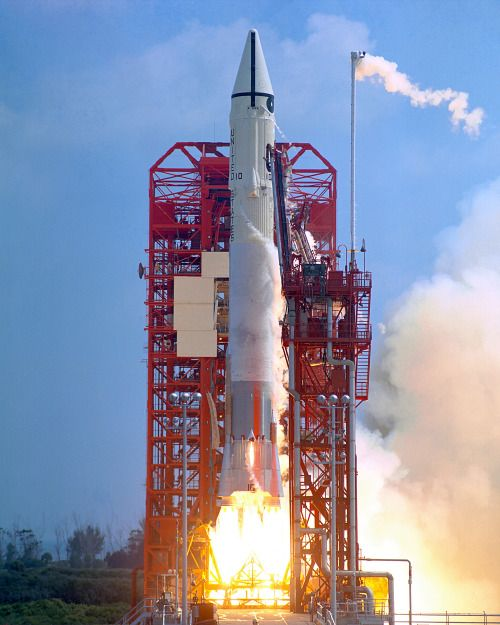 messenger spacecraft lift off - 500×625