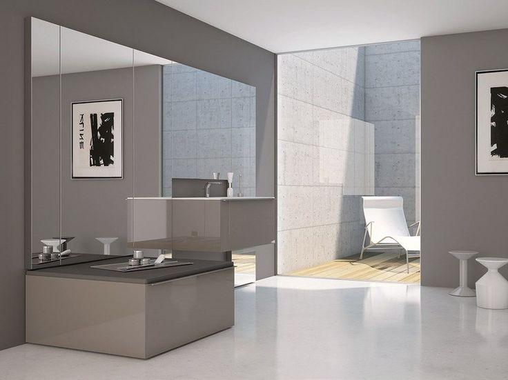 die besten 25 badezimmer spiegelschrank mit beleuchtung ideen auf pinterest winziges haus. Black Bedroom Furniture Sets. Home Design Ideas