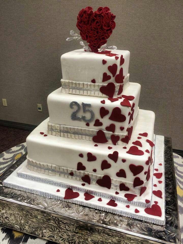 Bello pastel en la celebracion del 25 aniversario de open heart surgery hospital