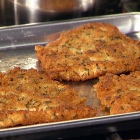 Directions 1 Preheat oven to 400 degrees.  2 In resealable plastic bag, combine cheese, crumbs and all seasonings; shake well.  3 Transfer mixture to plate; dip each chicken breast in cheese mixture, turning to coat all sides.  4 Arrange on nonstick baking sheet.  5 Bake until chicken is cooked through, 20-25 minutes.  WW Points Plus: 4 points per serving.