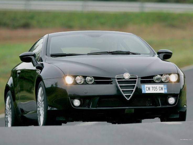 Alfa Romeo Brera fuel efficiency is impressive due to its DOHC with VVT engine technology and 6-speed sports automatic transmission system.