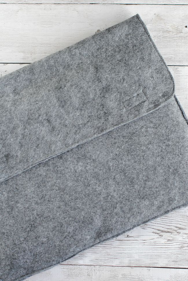 Laptop Sleeve Pattern 1/2 yard felt and Velcro!