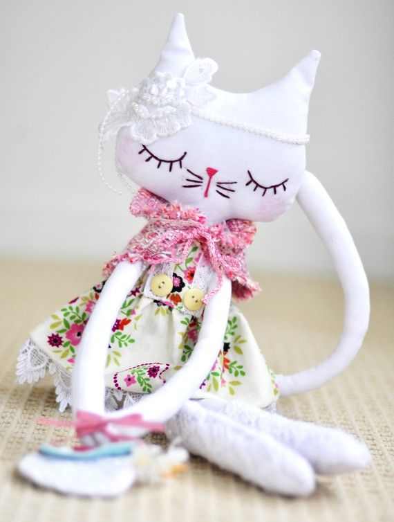 RESERVED LISTING ....Princess Pia A large linen kitty by nooshka