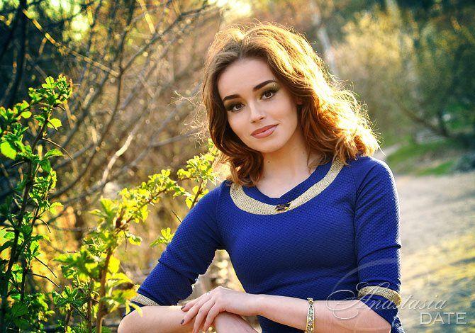 Русский подруга Елена из Харькова, 22 лет, волосы каштановые цвета