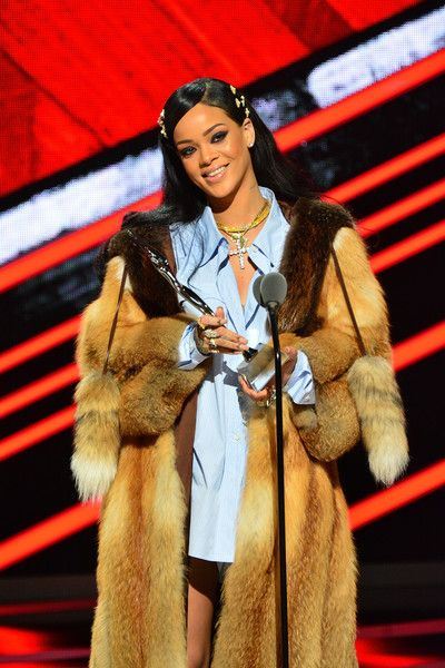 Rihanna Photos - Singer Rihanna receives the Rock Star award during the Black Girls Rock! 2016 show at New Jersey Performing Arts Center on April 1, 2016 in Newark, New Jersey. - Black Girls Rock! 2016 - Show