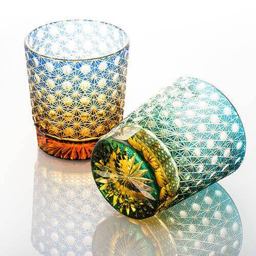 【山田硝子】オールドグラス「縁繋ぎ」の商品詳細ページです。細菊玉繋ぎ紋のフルカットを施した逸品。玉部分を覗き込めば万華鏡のような光景が広がります。