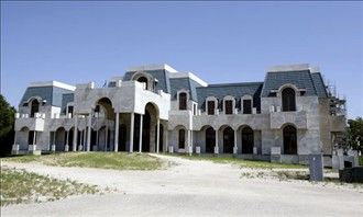 Inside the would-be biggest house in America - 90,000 sq. feet located in Florida
