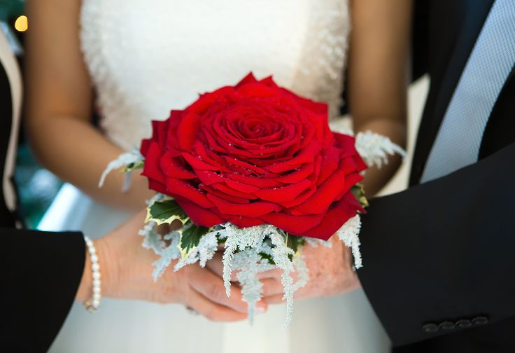 Big rose bouquet #NelloDiCesarePhotography #bouquet #rose #flowers #wedding #WeddingPlanner