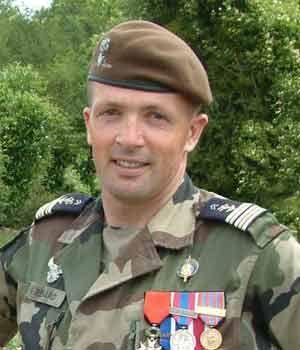 79e - Le Colonel Martin Renard Chef de Corps du 2° Régiment de Hussards 2005-2007