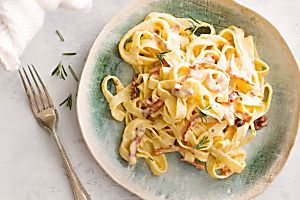 This deliciously creamy carbonara by taste member, 'Jawshie' is a fabulous meal for those nights when you don't have much time to spend in the kitchen.