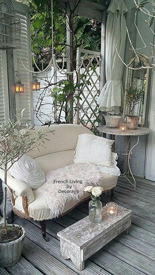 Best 25 shabby chic porch ideas on pinterest for Shabby chic yard