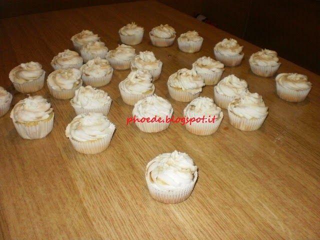 Sta sera cucino io: Cupcake Mela e sciroppo d'Acero con cuore di crema...