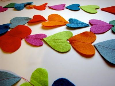 Felt heart garland--or maybe with stars or dots for a tree or a child's room