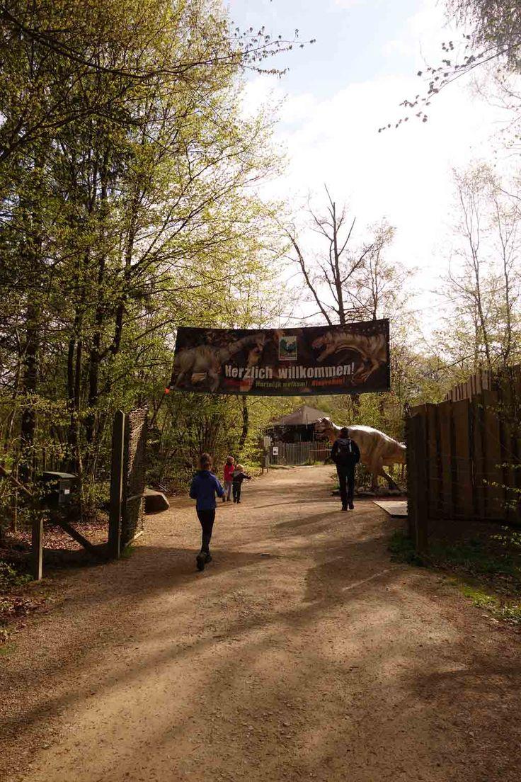 Ingang van het Dinopark Teufelsschlucht