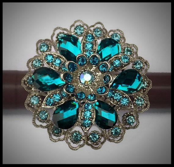 Grosse bague élastique 3D strass turquoise et bleus métal argenté -  bijou fantaisie strass - idée cadeau - femme - fille - costume vénitien.