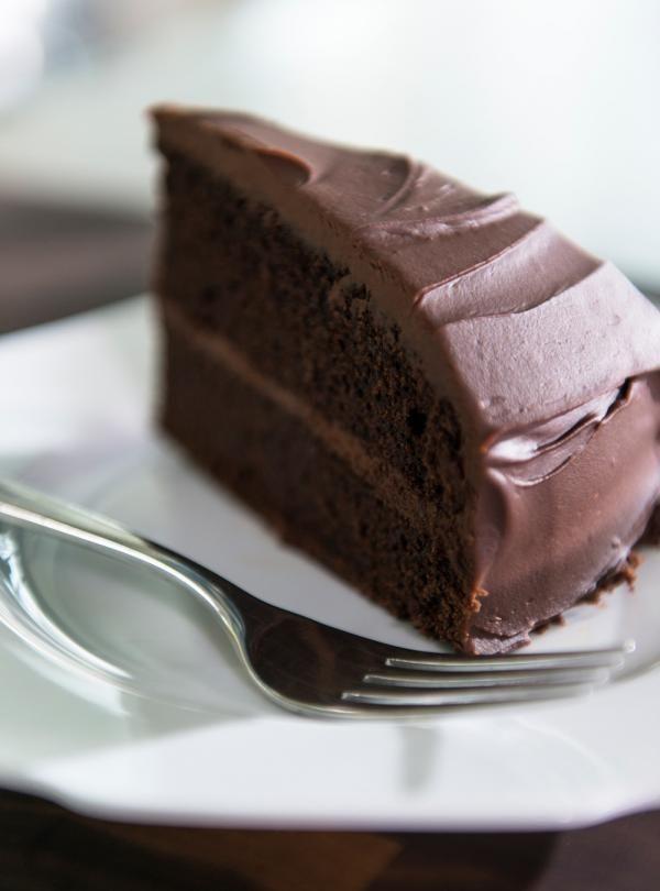 Recette de Ricardo de gâteau au chocolat sans oeufs, sans noix et sans produits laitiers