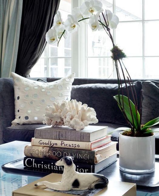 enfeites de mesa de café e peças centrais com flores