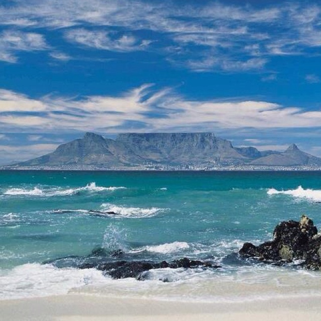 My home town & mountain (Table Mountain for you who don't know this famous landmark)