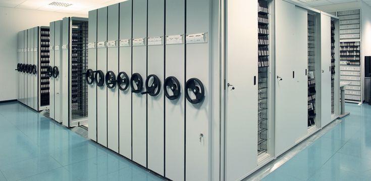 Archivio Mobile e Armadi Compattabili per Archiviazione Efficiente