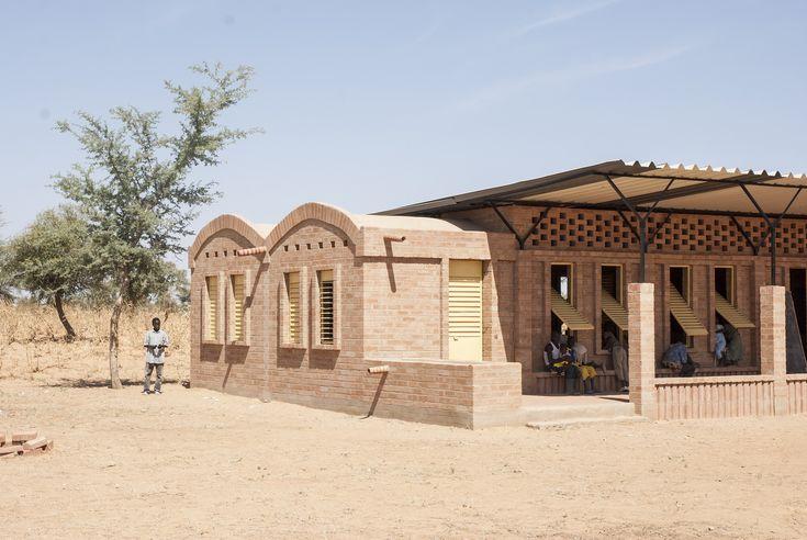 Gallery of Gangouroubouro Primary School / LEVS architecten - 10