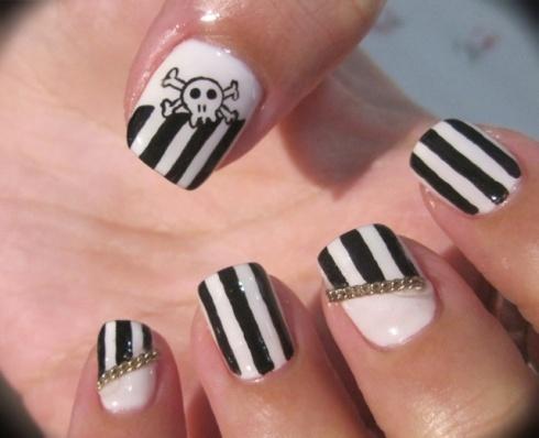 pirate nails-perfect for gasparilla! :)