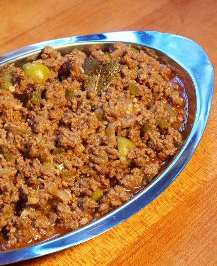 Picadillo omg I love this so much not a huge fan of the aceitunas ..pero yummy nontheless...no it's not Sloppy Joe or Hamburger Helper