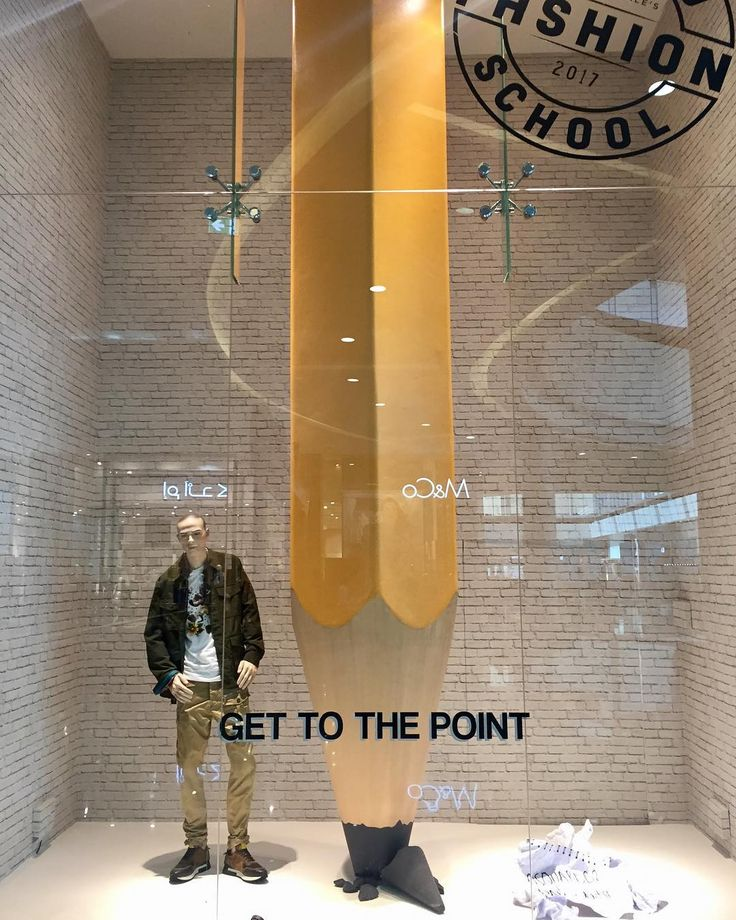 """BLOOMINGDALES, The Dubai Mall, Dubai, United Arab Emirates, """"Get to the point!!!"""", photo by Gavin Farrell, pinned by Ton van der Veer"""