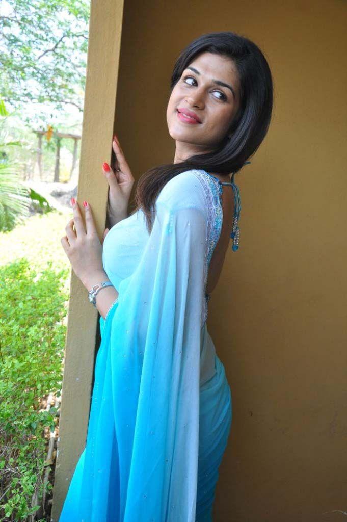 pzy.be i 2 shraddha-das-hot-saree-photos-4.jpg