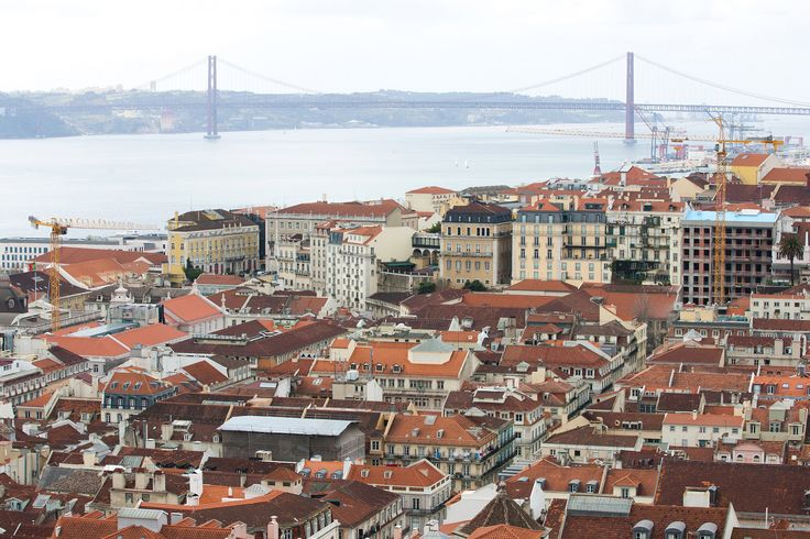 Lisbon's red suspension bridge appears to be a clone of San Francisco's majestic Golden Gate, and both cities are spread over hills linked by cable cars. If the mayor of Portugal's capital has his way, the similarities will extend to a ferocious pace of technological innovation.
