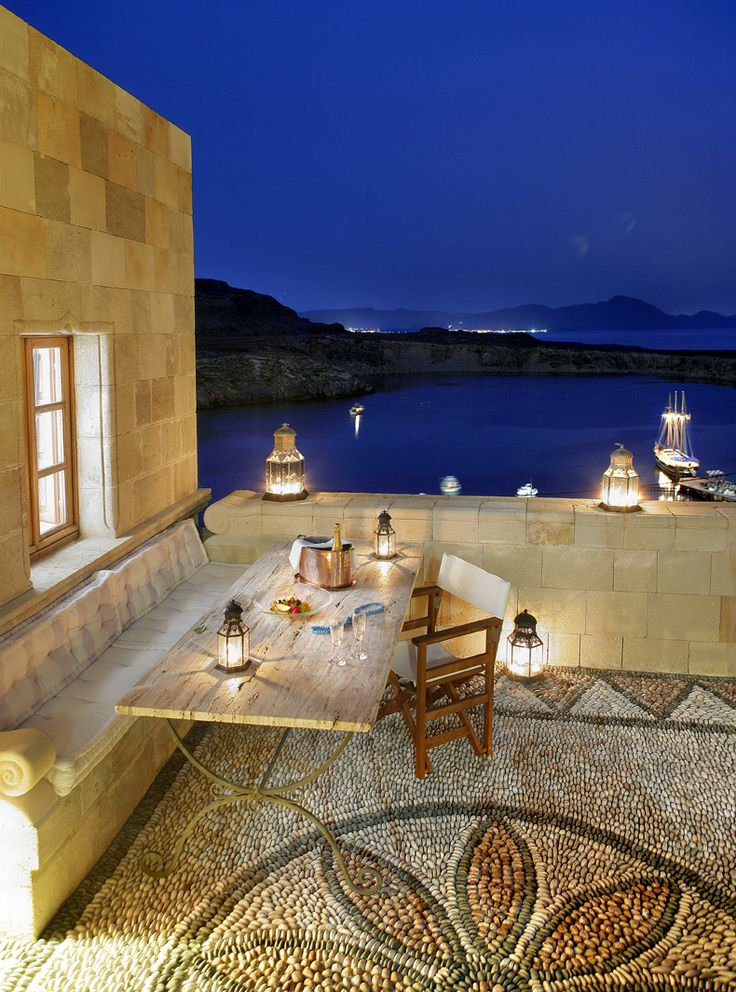 Escape to #Rhodes and #MelenosLindos #Luxury #Suites, the amazing in #Lindos.Traditional architectural designs have been applied to all of the 12 suites of the hotel, without missing out on any of the contemporary standards. http://www.tresorhotels.com/en/offers/284/kalokairines-apodraseis-sth-rodo-kai-to-melenos-lindos