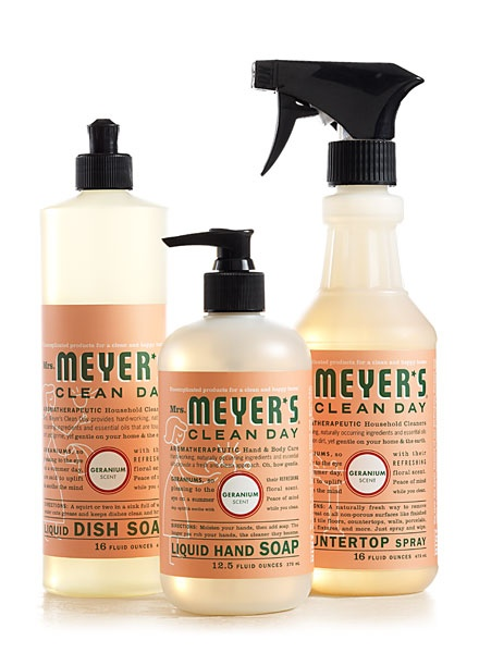 Geranium Kitchen Basics Set from Mrs. Meyer's Clean Day...smells sooo good! I use this in my bathroom, too.