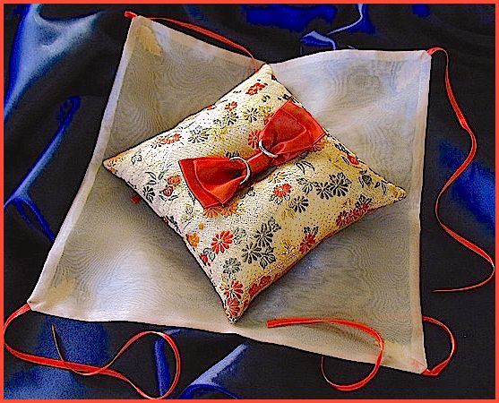 ateliersarah's ring pillow/Wrapped in gold organza
