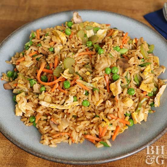 Enjoy the flavors of restaurant fried rice in this quick skillet recipe! Serve as a side dish or pack it with protein for a full meal. #friedrice #dinnerideas #sidedishes